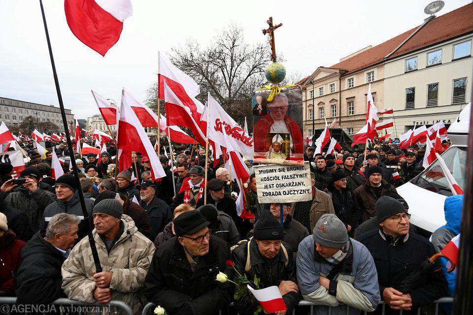 Zdjęcie numer 5 w galerii - Kaczyński żyje w Polsce, której nie ma
