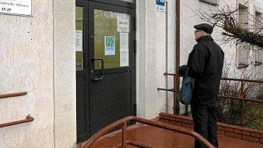 Wielu pacjentów dziś zastało zamknięte drzwi swojej przychodni. Zdjęcie z Olsztyna