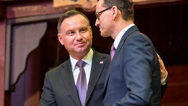 Andrzej Duda i Mateusz Morawiecki podczas karczmy piwnej NSZZ 'Solidarność' w Spodku w Katowicach