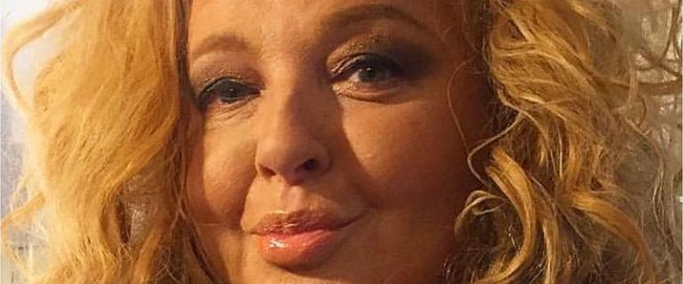 Magda Gessler pokazała świąteczne zdjęcie bez makijażu. W naturalnym wydaniu i bez loków wygląda 10 lat młodziej
