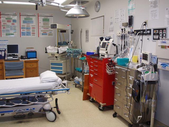 Co jakiś słyszymy o turystach, którzy zapłacili ogromne pieniądze za leczenie w zagranicznych szpitalach.