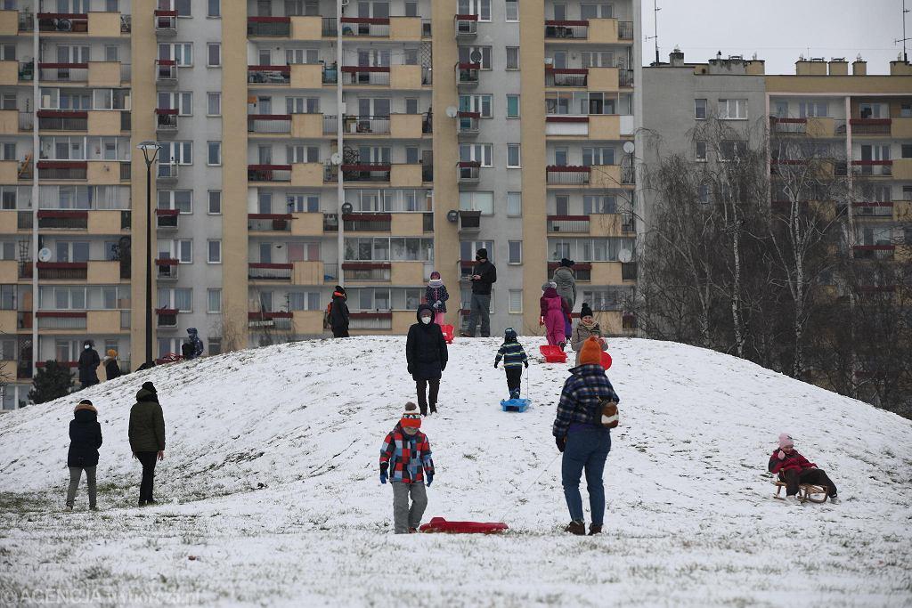 Zima w Krakowie. Park na osiedlu Tysiąclecia
