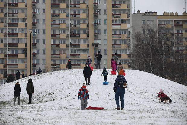 Zdjęcie numer 10 w galerii - Zima w Krakowie - śnieg przykrył ulice, domy, parki [GALERIA]