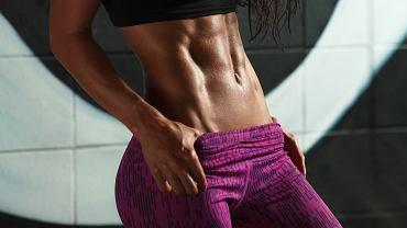 Trening na mięśnie brzucha. Jak pozbyć się odstającego brzucha