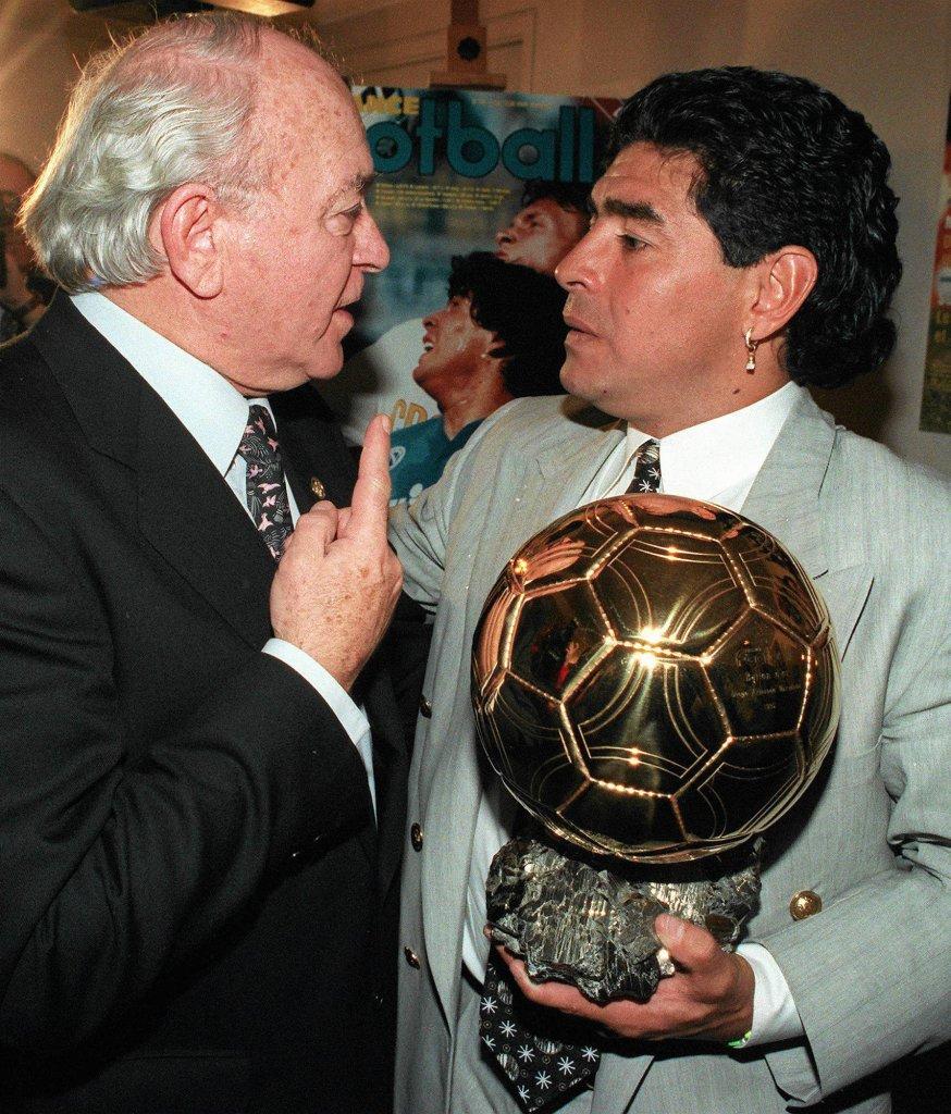 Alfredo di Stefano i jego rodak Diego Maradona ze