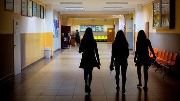 Uczniowie szkoły podstawowej.