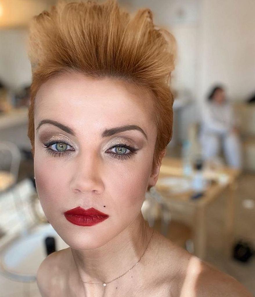 Katarzyna Zielińska jako blondynka i w grzywce. Wygląda lepiej? Porównano ją do Jennifer Lopez