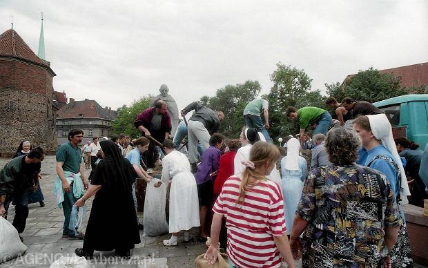Zdjęcie numer 45 w galerii - 17 lat temu Odra zalała Wrocław. Tak wyglądało miasto [FOTO]