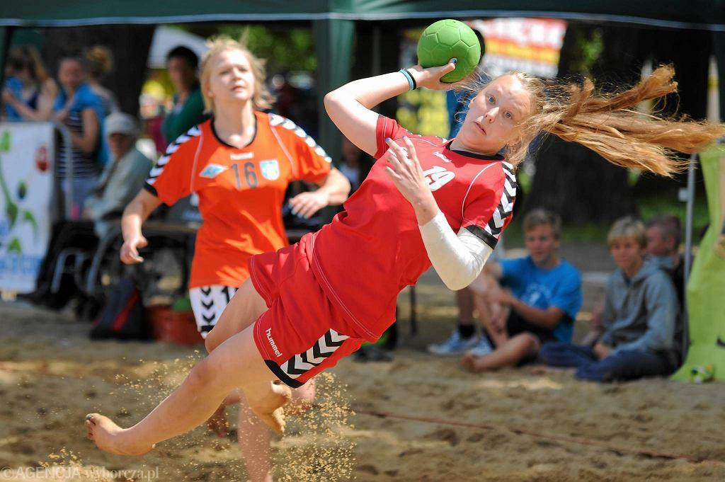Młodzieżowe Mistrzostwa Polski w piłce ręcznej na plaży w Szczecinie