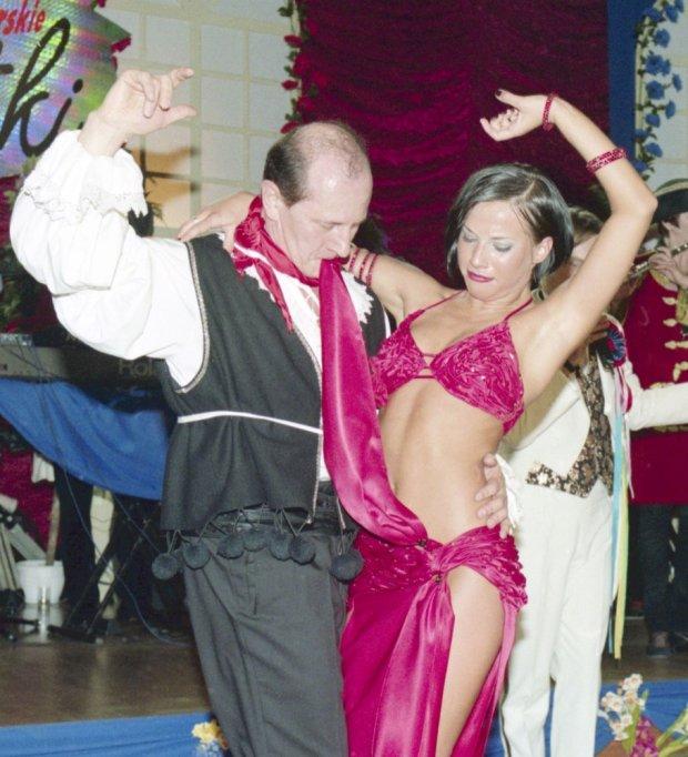 PHOTO:EAST NEWS/ZENON ZYBURTOWICZ   Bal w hotelu Victoria - gwiazdorskie ostatki 07.03.2000.  N/Z: Wlodzimierz Szaranowicz