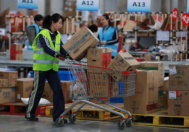 Alibaba i roboty odkurzające, czyli kupujemy w zagranicznych sklepach internetowych. Jak? Bez zahamowań, za wielkie pieniądze