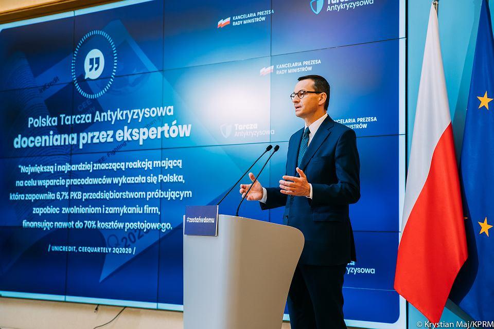 Premier Mateusz Morawiecki podczas konferencji nt. 'tarczy antykryzysowej', 21 kwietnia 2020 r.