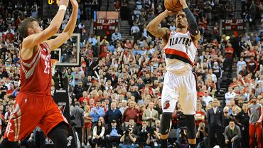 Damian Lillard oddaje rzut na wagę zwycięstwa z Houston Rockets w 1. rundzie play-off NBA