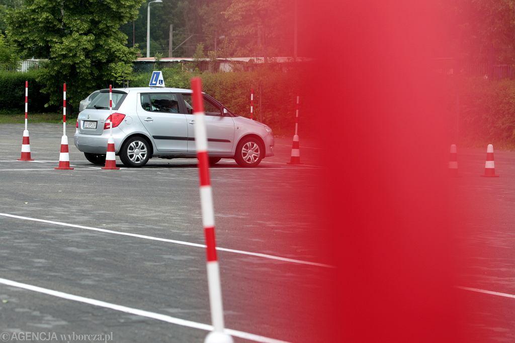 Polkowice. Kursant nie zdał egzaminu na prawo jazdy i zdenerwowany odjechał swoim samochodem
