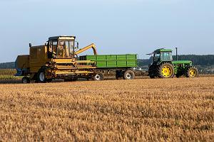 Dopłaty tylko dla tych, którzy faktycznie uprawiają ziemię rolną? PiS i Kościół są przeciw