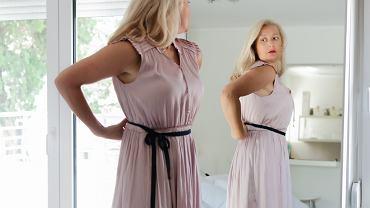 Zmysłowe sukienki dla dojrzałych kobiet