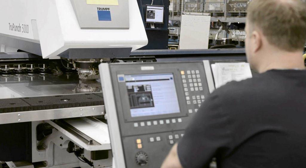 Programowanie maszyny CNC w zakładach Volvo