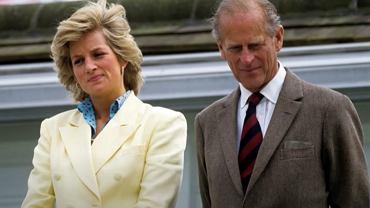 Książę Filip, który sam często był outsiderem w rodzinie królewskiej, służył Dianie radą i wsparciem