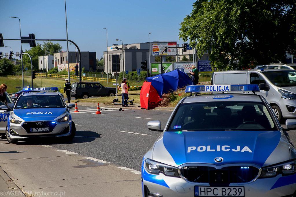Tragiczny wypadek w Bydgoszczy przy rondzie Inowrocławskim. Zginęła dwunastoletnia dziewczynka. Dziecko szło do szkoły.
