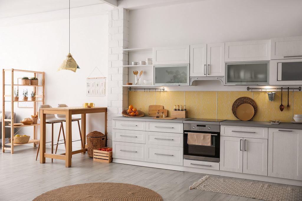 Białe meble w kuchni