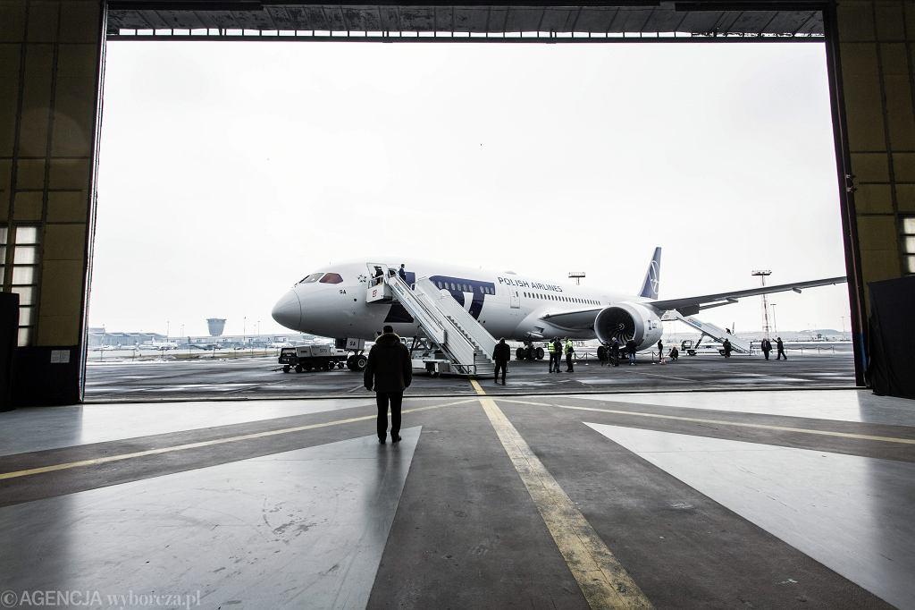 Boeing Dreamliner 787-9 w bazie LOT na Okęciu. Warszawa, 23 marca 2018