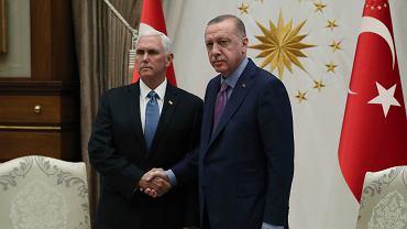 Wiceprezydent USA Mike Pence i prezydent Turcji Recep Tayyip Erdogan