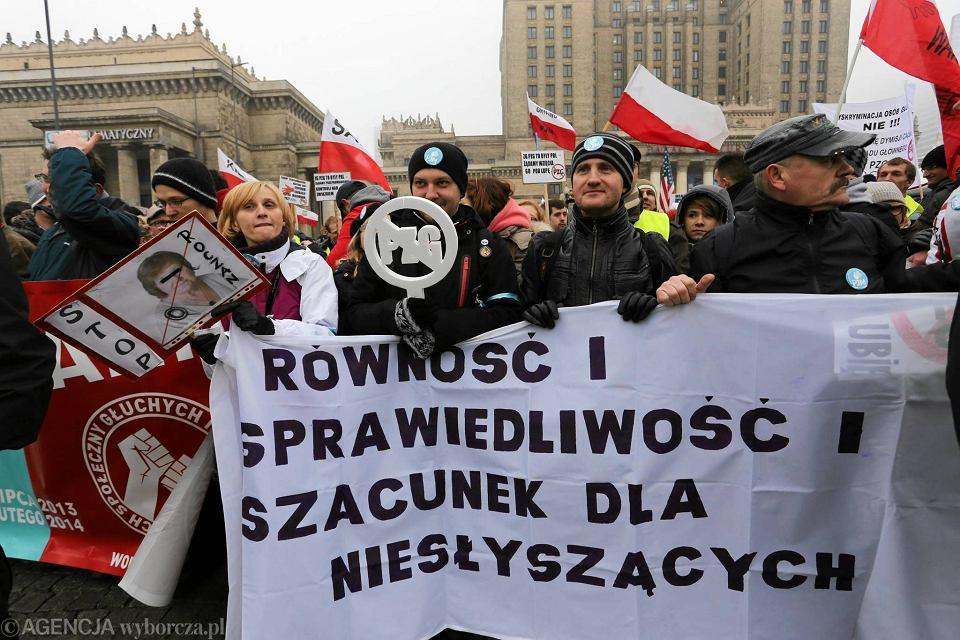 Manifestacja osób głuchych w Warszawie