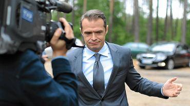 Ówczesny minister transportu Sławomir Nowak podczas konferencji prasowej nt. zmiany Programu Budowy Dróg Krajowych na lata 2011-2015. Napierki k. Nidzicy, 5 czerwca 2013
