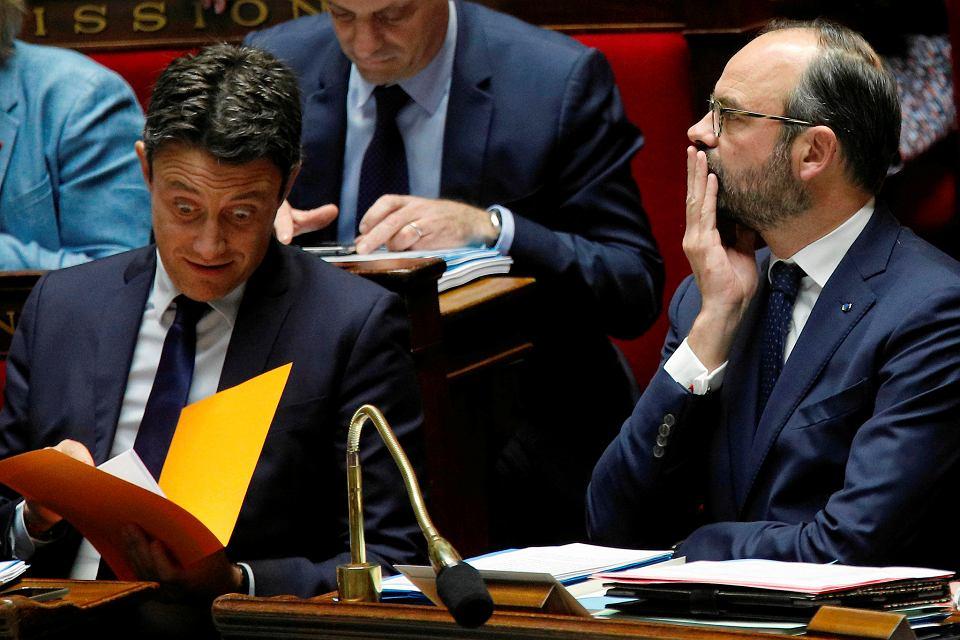 16.01.2019, Paryż, premier Francji Edouard Philippe (po prawej) i rzecznik rządu Benjamin Griveaux podczas debaty w Zgromadzeniu Narodowym poświęconej brexitowi