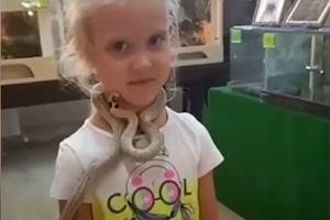 Rosja. W zoo wąż ugryzł 5-letnią dziewczynkę w twarz