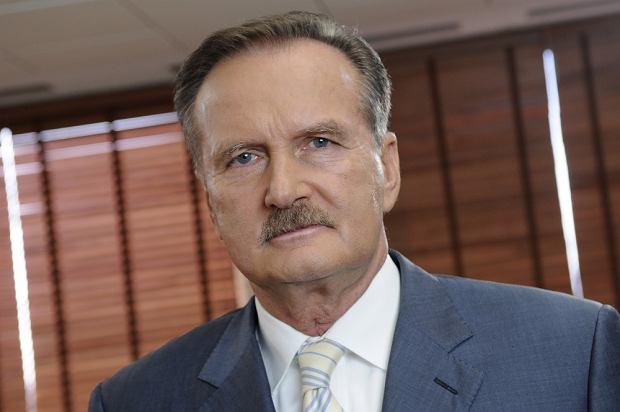 """Sześć lat na tropie """"polskiego Jamesa Bonda"""". Czy prokurator ma coś na gen. Czempińskiego w sprawie prywatyzacji STOEN-u?"""