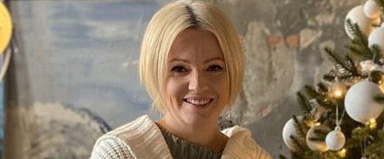 """Dorota Szelągowska pokazała pięknie udekorowaną choinkę. Uwagę fanów zwróciło jednak zupełnie co innego. """"Surowo zabronione"""""""