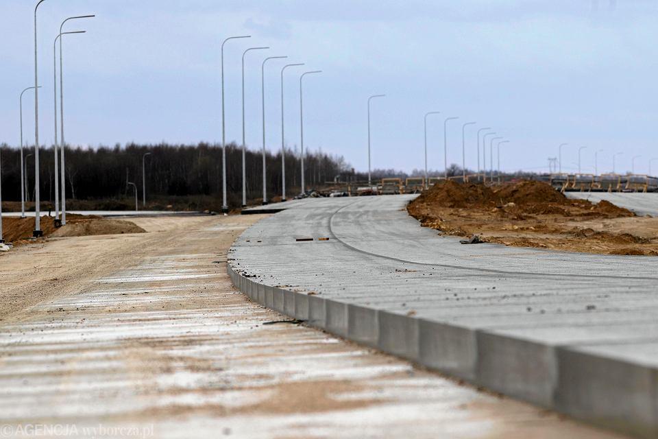 Budowa odcinka autostrady A1 przez spółkę Salini Impregilo. Rząsawa koło Częstochowy, 15.03.2019.
