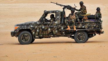Konwój w Nigrze / zdjęcie ilustracyjne