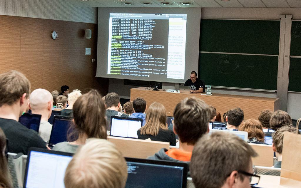 Kurs prowadzony przez Daftcode na Politechnice Warszawskiej