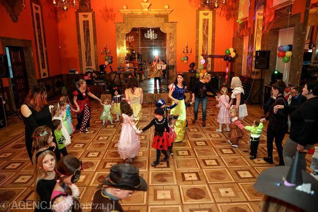 Zdjęcie numer 29 w galerii - Na dworze Królewny Śnieżki, czyli bal karnawałowy najmłodszych [ZDJĘCIA]