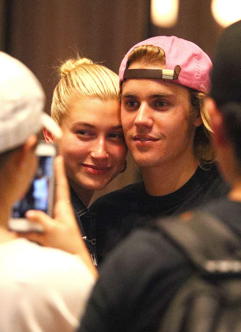 Justin bieber umawia się z kimś nowym