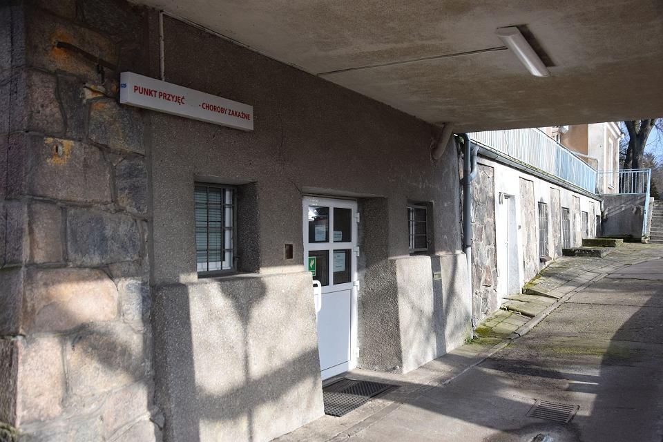Oddział zakaźny szpitala przy ul. Arkońskiej w Szczecinie, gdzie są osoby, u których wykryto koronawirus