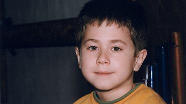 Sergiusz Żymełka: młody, sympatyczny i inteligentny urwis z 'Rodziny zastępczej'. Teraz wyrósł i ma 26 lat. I pociąga go coś innego, niż aktorstwo. A co z pozostałymi dzieciakami z serialu?