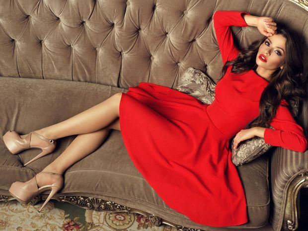 sukienka dla niskich kobiety