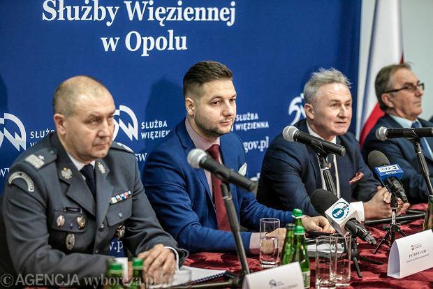 Patryk Jaki postanowił wybudować więzienie w Brzegu i... rozsadził lokalną prawicę