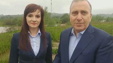 Wybory do europarlamentu 2019. Grzegorz Schetyna nagrał spot na terenach zalewowych? Zaprzecza