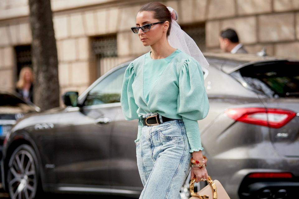 modne bluzki na wiosnę 2021