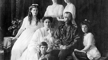Car Mokołaj II z rodziną, około 1914 roku