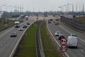 Koniec z wąskim gardłem na autostradzie A2 pod Warszawą. Przed wakacjami zlikwidowano nieczynne bramki