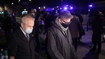 Mec. Jacek Dubois i sędzia Igor Tuleya. Po trwającym dwa dni posiedzeniu tzw. Izba Dyscyplinarna SN nie wyraziła zgody na zatrzymanie i doprowadzenie sędziego do prokuratury
