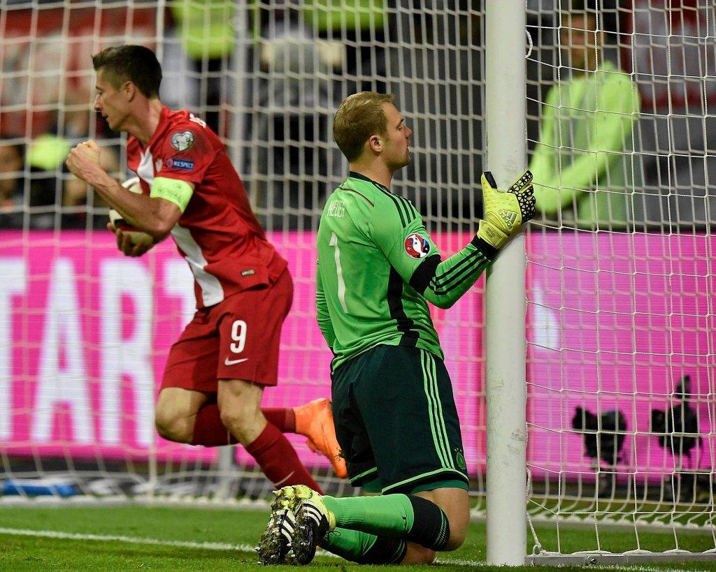 Ale wcześniej Lewandowski pokonał Neuera. To był szósty gol