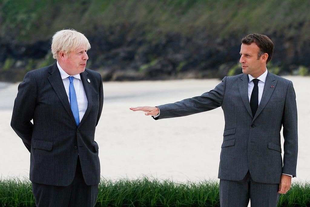 Szczyt G7. Przez brexit i geografię Johnson starł się z Macronem. Pałac Elizejski się tłumaczy. Na zdjęciu Boris Johnson i Emmanuel Macron
