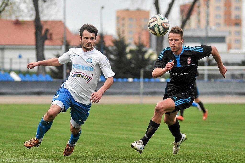 Maciej Maślany (po lewej) w meczu Stal Rzeszów - Wólczanka Wólka Pełkińska 3:2