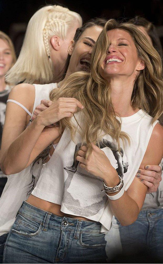 Gisele Bundchen po raz ostatni na wybiegu dla brazylijskiej marki Colci, 15 kwietnia 2015, colcci